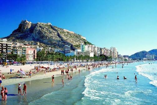 A propósito de las cifras de turismo en Cuba: un contraste con España