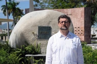 Comunicado 'Visita del Embajador español a la tumba de Fidel C.'
