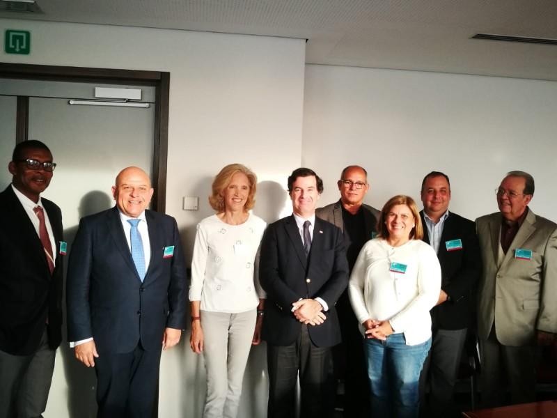 Funcionarios de la UE y eurodiputados reciben a activistas cubanos para hablar sobre derechos humanos