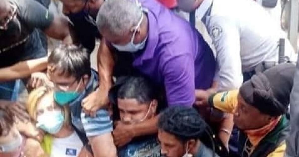 OCDH condena la represión contra jóvenes cubanos hoy en La Habana