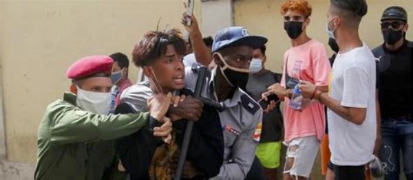 OCDH califica de «delitos de lesa humanidad» la represión contra la población civil en Cuba y pide sanciones de la UE contra violadores de derechos humanos